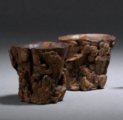 DEUX PETITES COUPES en bois sculpté Chine,...
