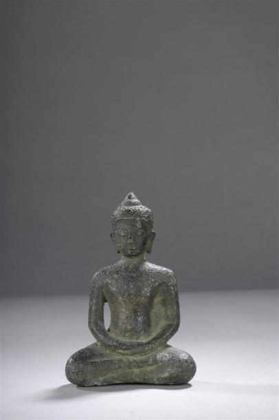 STATUETTE DE BOUDDHA en bronze Cambodge,...
