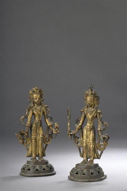 DEUX STATUETTES de bodhisattva en bronze...