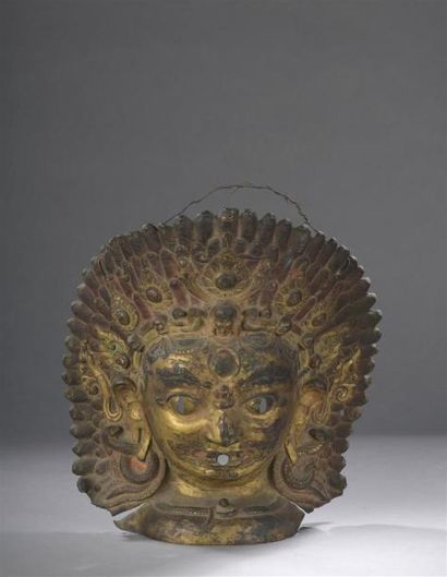 MASQUE de Bhairava en cuivre repoussé et...