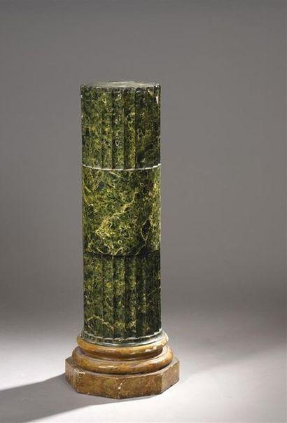 Gaine en bois peint faux marbre cannelé style...