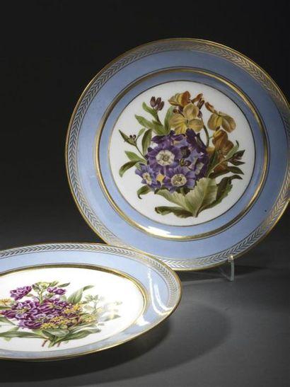 Sèvres, XIXe siècle, vers 1840. Deux assiettes...