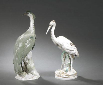 Naples (genre de), fin du XIXe - début du XXe siècle Deux grues en porcelaine sur...