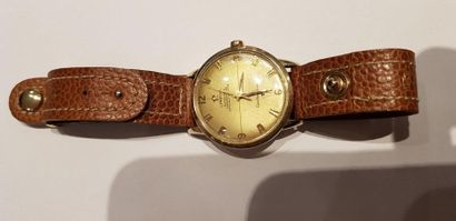 OMEGA Constellation, vers 1960  Montre d'homme...
