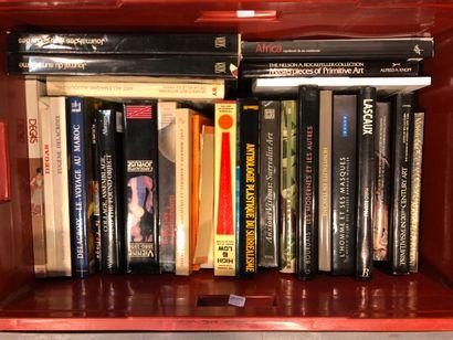 Panier de livres d'art :