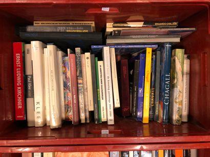 Panier de livres d'art : CHAGALL, CHILIDA,...