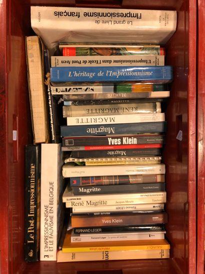 Panier de livres d'art : MAGRITTE, Yves KLEIN,...
