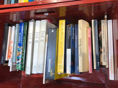Panier de livres d'art : Giorgio de Chirico,...