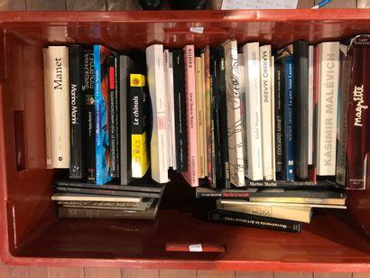 Panier de livres d'art : MAGRITTE, Marino...