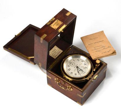 Chronomètre de marine signé Hamilton modèle 21  Boite d'origine en acajou et laiton...