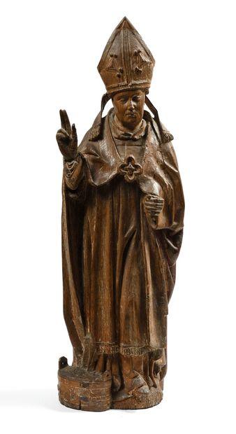 Saint Nicolas en chêne sculpté avec restes...