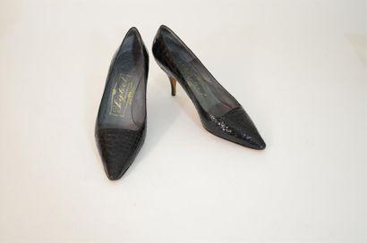 Paire de chaussure en lézard, marque Sybel,...
