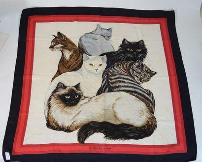 HERMES: carré de soie «les chats» bordures...