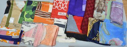 Lots de 16 foulards dont jacques Heim, Lanvin,...