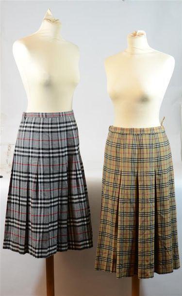 BURBERRY'S: 2 jupes plissées en laine écossaise,...