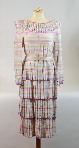 PIERRE CARDIN PARIS: Haute Couture, Robe...