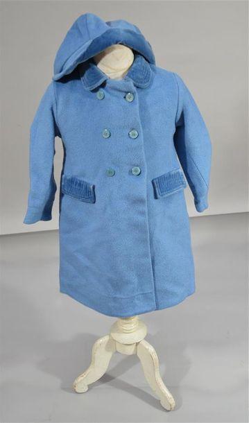 ANONYME: Manteau d'enfant en drap de laine...