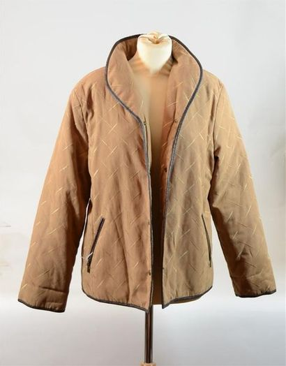 ANONYME : Veste marron avec effet matela...