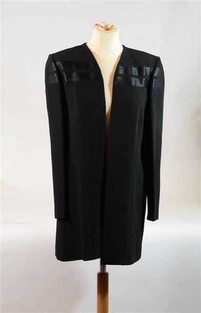 ANONYME : Veste longue noire