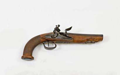 Pistolet demi-arçon.  Platine à silex signée...