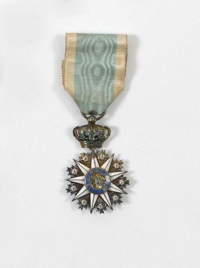 Croix de chevalier de l'ordre de Notre-Dame...