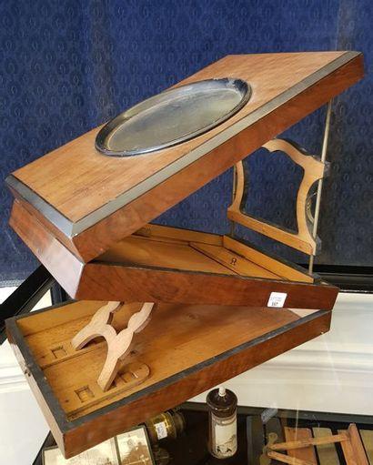 Visionneuse de table pour vue stéréoscopique de table en acajou marqueté.  Période...