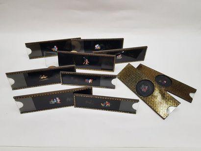 Bel ensemble en bon état de 10 plaques animées pour lanterne magique ou lampascope...