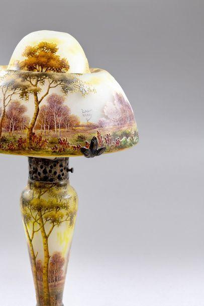 DAUM Nancy « Paysage rural d'automne » Lampe champignon ; le pied balustre, l'abat-jour...