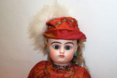 Poupée fille, F B 11 P PINTEL & GODCHAUX, porcelaine pressée, bouche fermée, yeux...