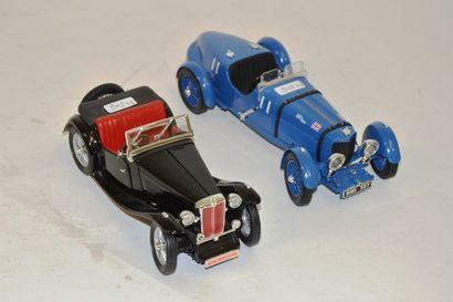 (2) voitures de sport 1/18 :  - MG TC , noire,...