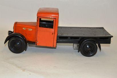 CIJ, camion RENAULT plateau, en tôle orange...