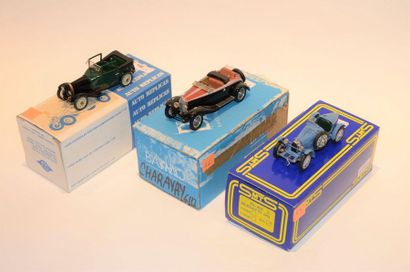 (3) AUTO REPLICAS, 1 Bugatti type 23 Town...
