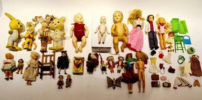 Poupées diverses (25) : Mattel avec skyper...