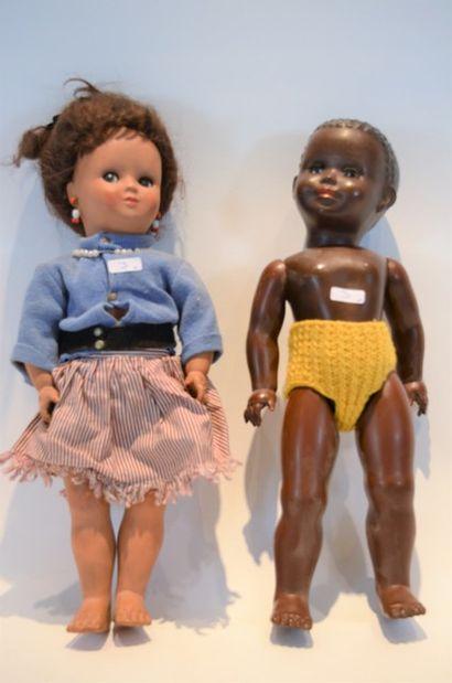 UNICA (2) poupées habillées dont une noi...