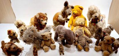 Lot de peluches () : beau lot d'ours et d'animaux...