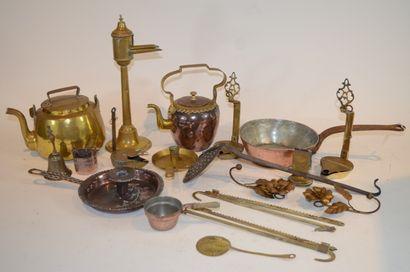 Varia d'objets en cuivre et laiton (bouilloire,...