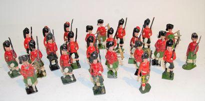 Lot de 24 soldats Ecossais, dont 7 cornemuses...