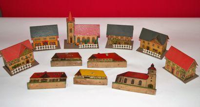 Lot de maison en bois peint et carton lithogaphié,...