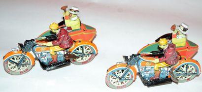 PAYA: 2 motos sidecar en tôle lithographiée....