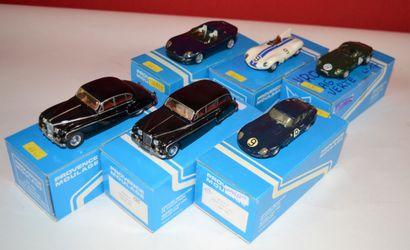 (6) PROVENCE MOULAGE, 6 Jaguars en résine...