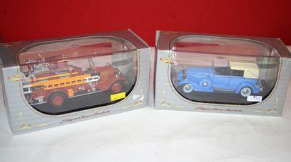 Signature Models: 2 voitures au 1/32ème neuves...