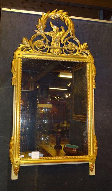 Meuble: Miroir de style en bois doré ajouré...