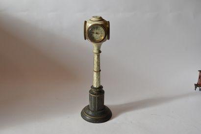 MÄRKLIN réf 2591 pied de lampe avec horloge...