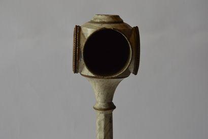 MÄRKLIN réf 2591 pied de lampe avec horloge quatre faces, trois factices, une avec...