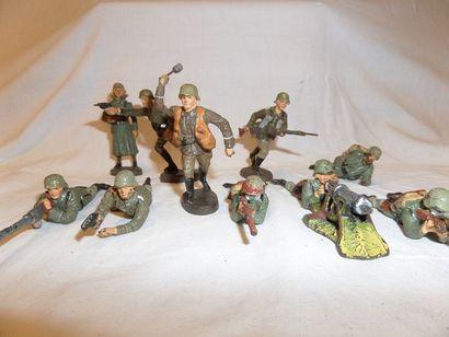 ELASTOLIN (10) soldats allemands au combat,...