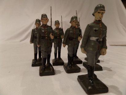 LINEOL 6cm : (8) soldats allemands, dont...