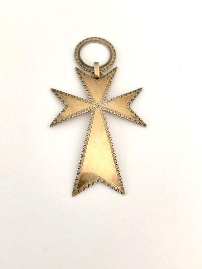 Lot comprenant un pendentif croix en argent...