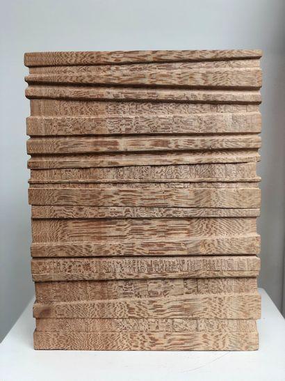 """Delphine BRABANT Delphine BRABANT  """"SILLONS""""  Sculpture en bois de platane signé..."""