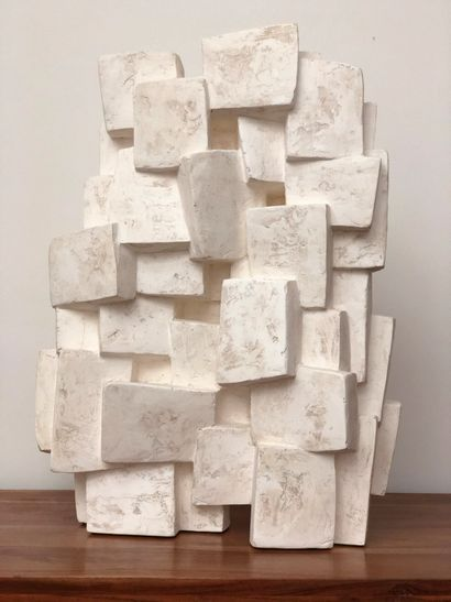 """Delphine BRABANT Delphine BRABANT """"UNITE I"""" Sculpture en plâtre signé H: 60 cm -..."""