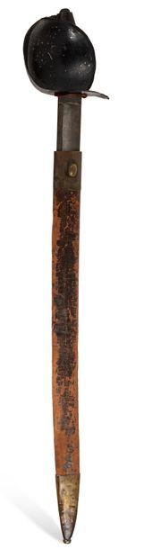 SABRE DE BORD DE MARINE modèle réglementaire hollandais ; fourreau de cuir à deux garnitures en laiton.